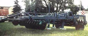 Комбинированный универсальный агрегат для предпосевной обработки почвы КУМ-4