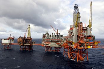 Стабильные и бесперебойные поставки продукции нефтеперерабатывающих предприятий